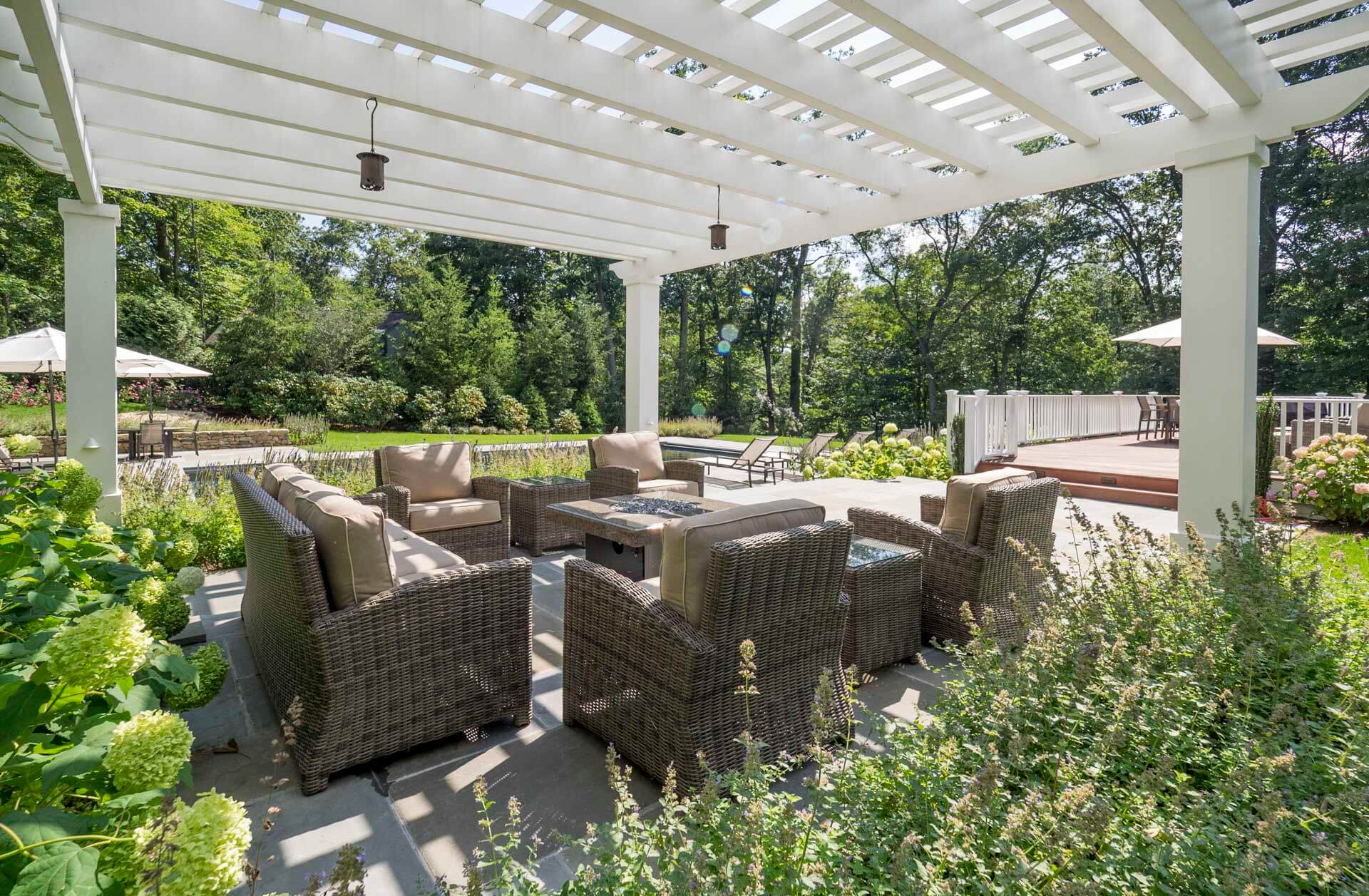 Garden Pergola With Firepit And Pool Sean Jancski Landscape Architects